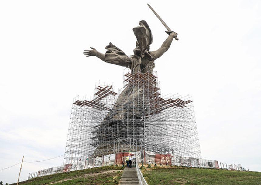 Реставрация памятника Родина-Мать